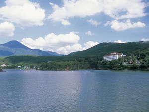 白樺湖 花の館 亀屋ホテルの外観
