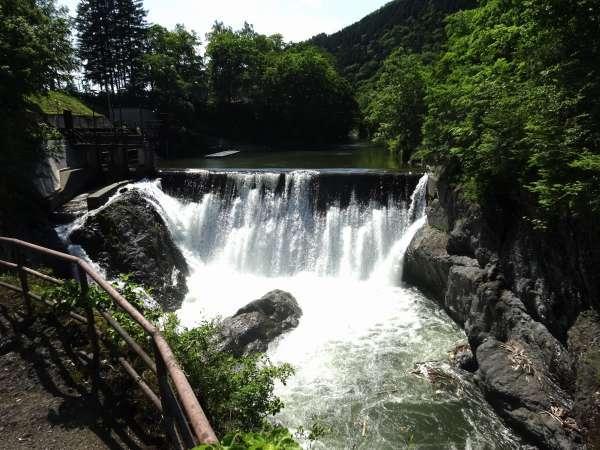 滝上渓谷錦仙峡「洛陽の滝」