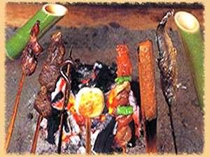 囲炉裏で味わう串焼きコースプラン