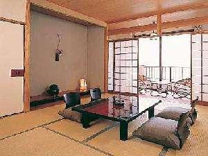 海側向きの和室10畳一例。