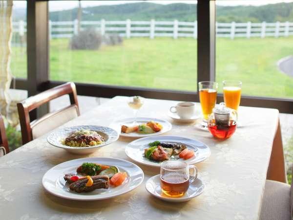 *ランチ一例/高原の美しい風景を眺めながらお食事をお楽しみいただけます。