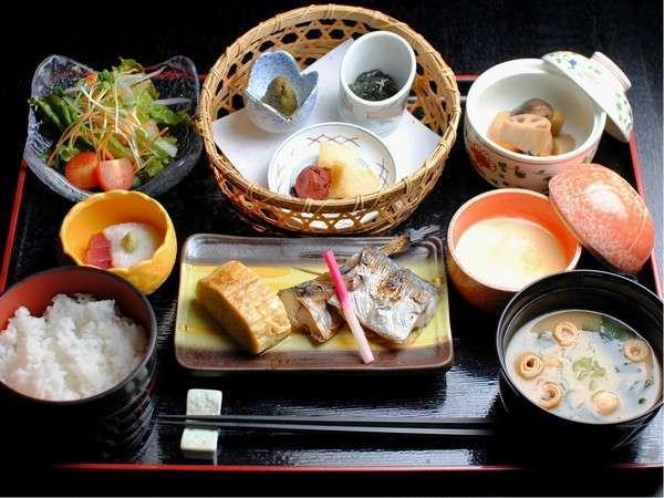 【朝食付】温泉×にいがたの朝ごはんを満喫♪お気楽プラン(一人旅&駅まで無料送迎OK)