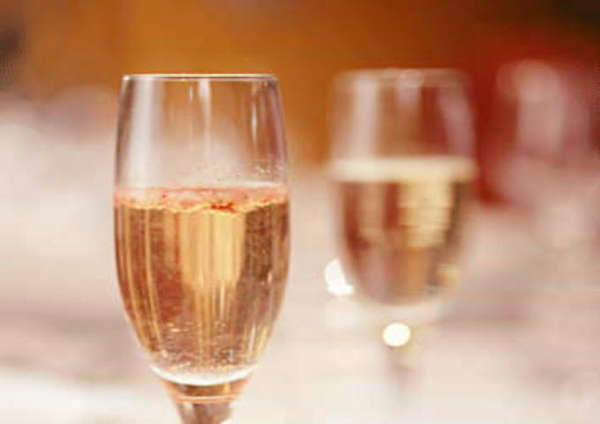 アニバーサリープラン♪選べるサプライズ【ホールケーキorスパークリングワイン】<プレミアムコース>