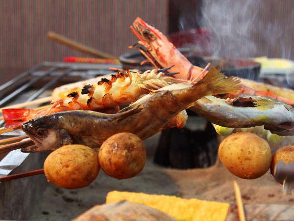 【温泉】【1泊2食付】囲炉裏を囲んで 人気の炉ばた料理♪セルフサービスでお得プラン!