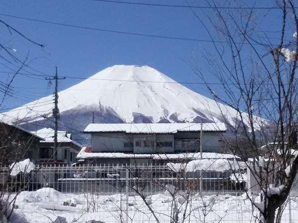 『ぱうぜ』駐車場からの富士山