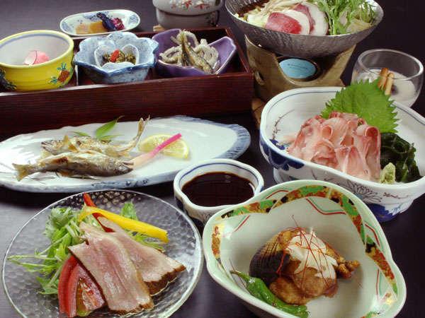 当館自慢の熊鍋がついたプラン♪食物繊維やビタミンも摂取できるので身体に優しいのも魅力!