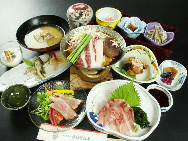 普段なかなか食べらられないイノシシ・鴨・熊などのジビエ料理が味わえるプランとなります♪
