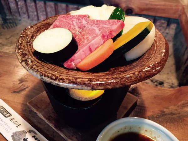 【宮崎牛】最上級の黒毛和牛陶板焼きプラン 茅葺き屋根のお宿「かるかや」1泊2食付