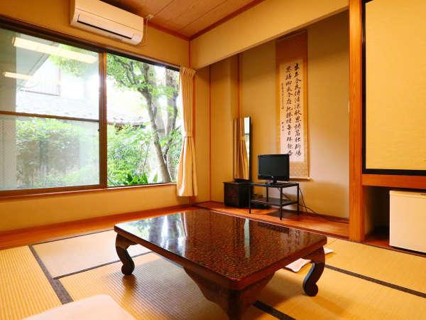 *本館◆窓の外は緑で溢れています