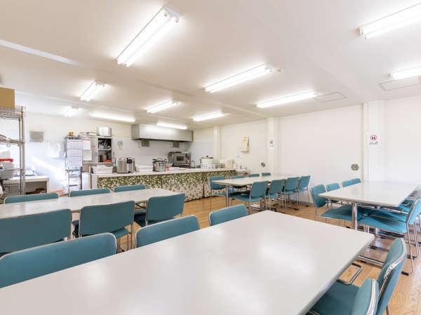 明るく広い食堂で新しい素敵な1日になってほしい。栄養満点なお食事でエネルギーチャージしましょう!