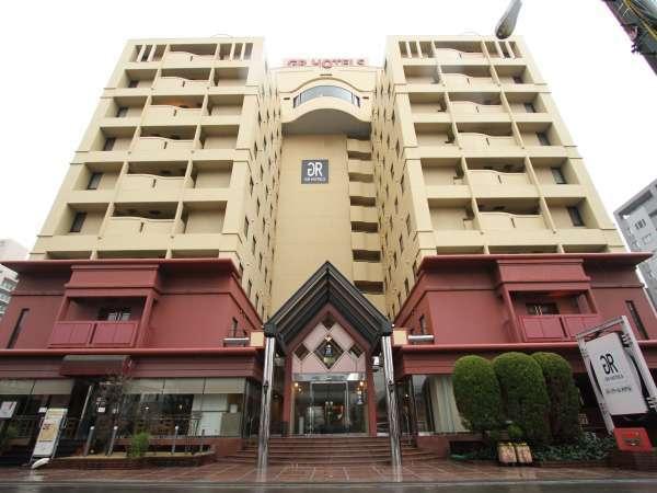 ジーアールホテル江坂の外観