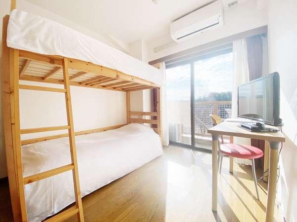 2段ベッド1台 2名様までご宿泊いただけます