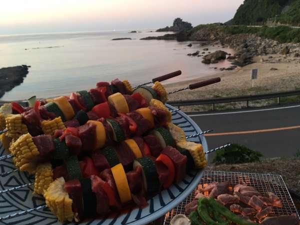 海を眺めて【BBQプラン♪】贅沢国産牛・八鹿豚スペアリブ・カニ!カルパッチョや焼きマシュマロも♪