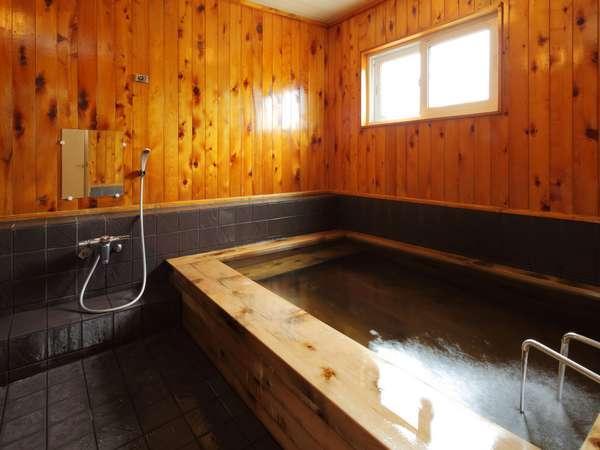 津軽ヒバのこじんまりとしたお風呂