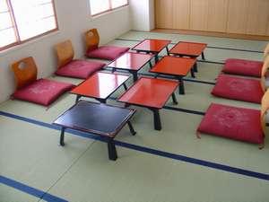 ◇小宴会場・会食スペース『漁火』:(16畳間×2室あります。会食等にご利用頂けます。)
