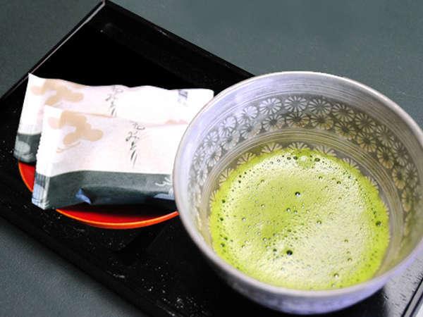 【北の食を満喫】源泉名湯とゆとりの客室に毛蟹半身付![G1]