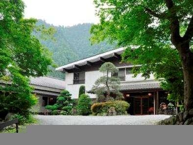 本物の大自然に囲まれた露天風呂のある宿 谷津川館