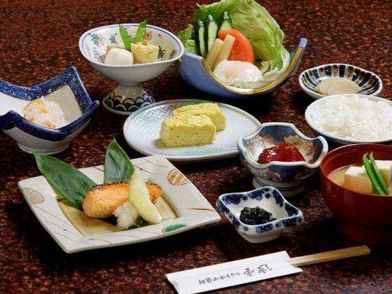 【1泊朝食付】源泉かけ流しの天然温泉堪能☆朝食は洞爺の野菜充実バイキング