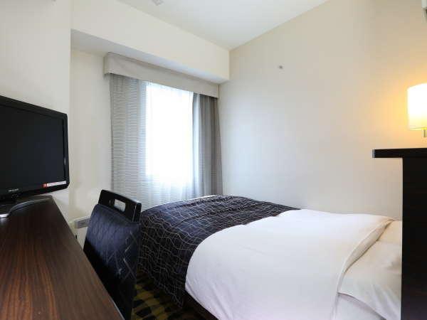 ■セミダブルルーム【10平米・ベッド幅120cm】