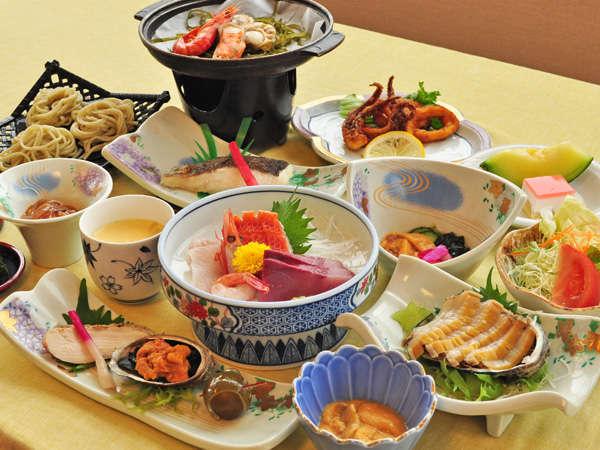 【夏の夕食一例:ふだい浜かぜ】贅沢なお食事をご希望の方におすすめです。