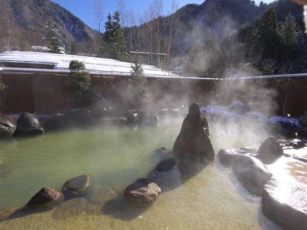 男性大浴場『亀の湯』露天風呂 当館のお風呂は全てかけ流しです!