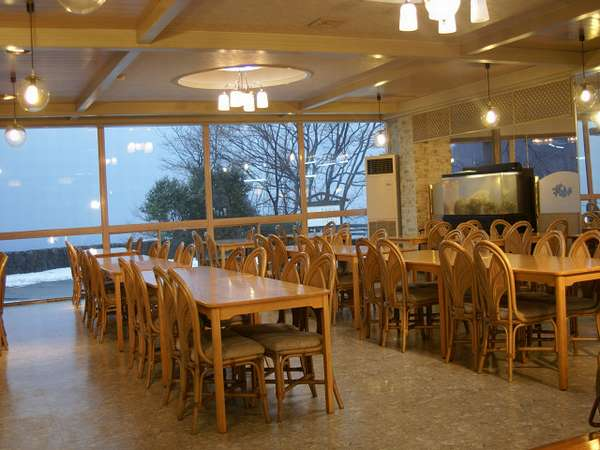 海の見えるレストランです☆