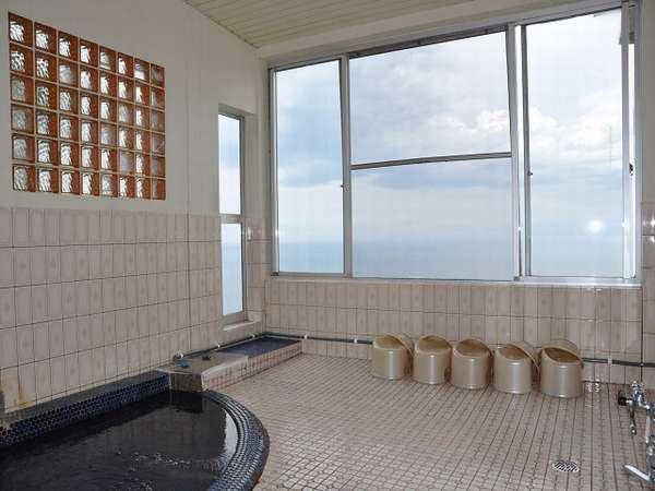小さいですが、絶景の見える展望風呂♪