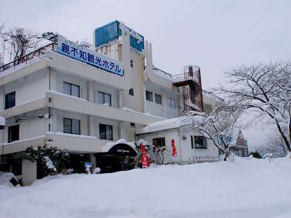 *冬のホテル外観です。