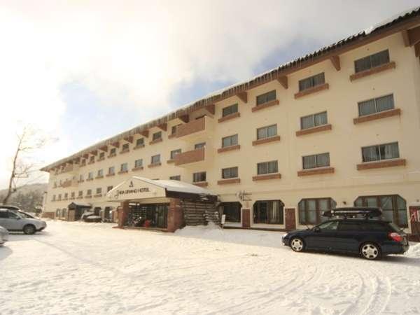 志賀グランドホテルの外観