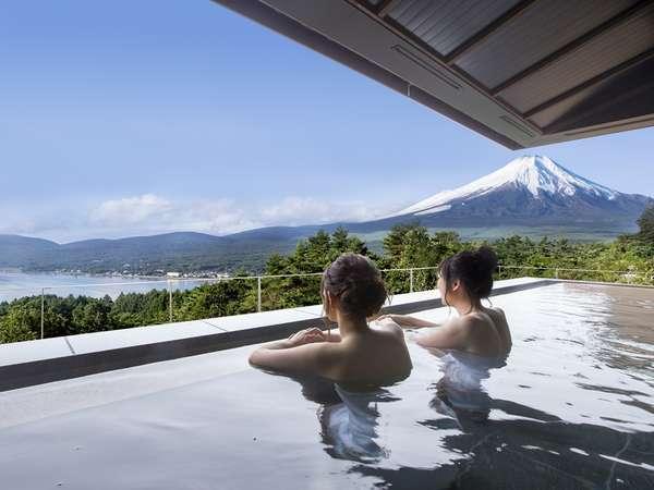 富士山と湖を望む「はなれの湯」