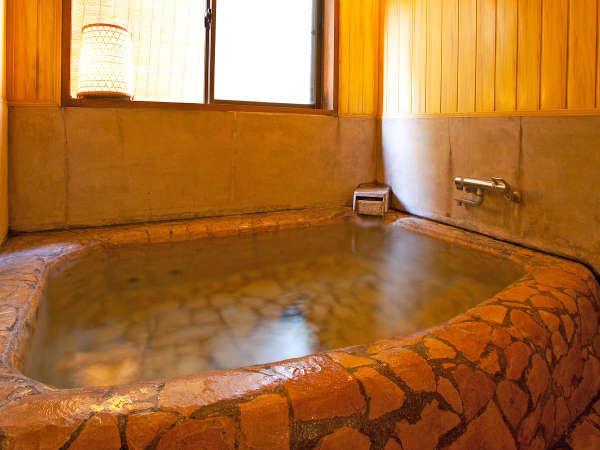 美肌効果抜群のラジウム泉「赤石風呂」(貸切)24時間入浴OK