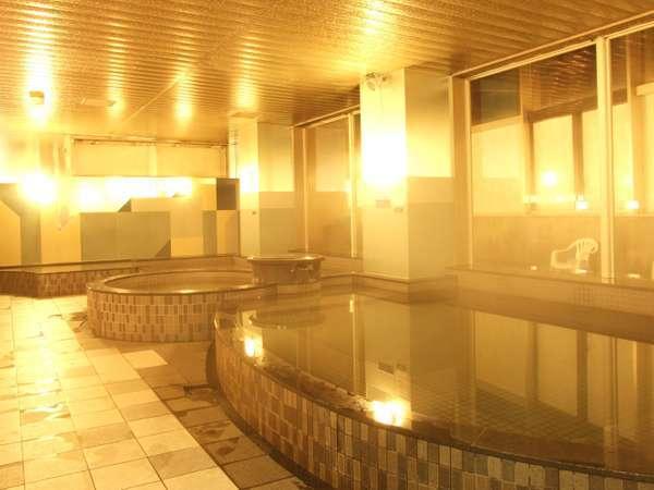 天然温泉で体をリフレッッシュ!営業時間 6:00-11:00・15:00-22:00まで。ご宿泊のお客様は無料です。