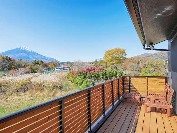 コテージ◆ベランダから臨む富士山