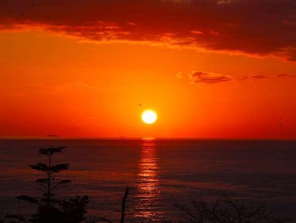 【風景】その日によって、様々な風景がごらんになることができます。特に朝焼けは毎日変化しています