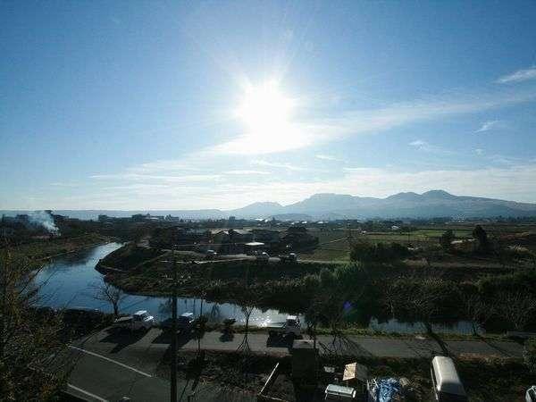 阿蘇山を臨む風景