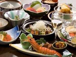 五感で愉しむ和洋会席料理