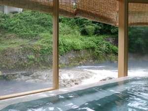 新潟の紅葉スポット近くの温泉宿・紅葉露天のある宿県 友家ホテル