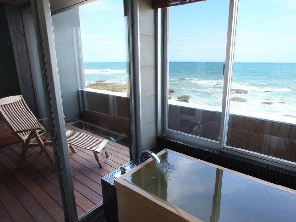【一人旅】海辺テラス付のお部屋で、自分だけのひとやすみ|最大22時間ステイ&夕食時ワンドリンク特典付
