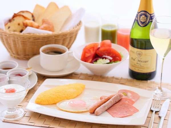 【早割20日前まで】朝の光が心地よいラウンジyu・ra・riで朝定食付きプラン  (N6G・N6H)