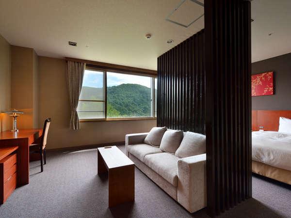 <スタンダードルーム一例>奥入瀬の山々を眺められる