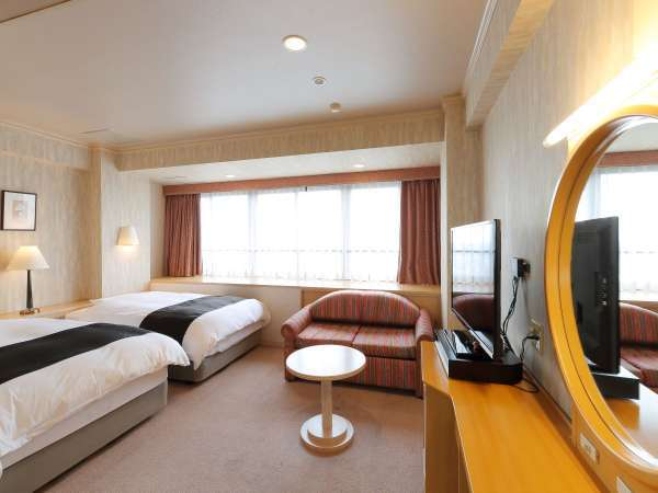 最上階プレミアツインルーム広さ・・・30㎡ ベッドサイズ・・123cm×203cm×2台最上階のツインルーム
