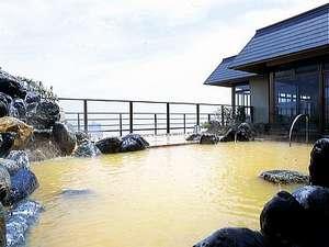 「12F露天風呂」海羊亭の露天風呂は、幻とも言われる珍しい赤湯