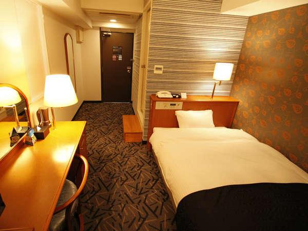 【素泊まりプラン】wifi&有線LAN無料!駐車場60台完備!サータ社製ベッド!