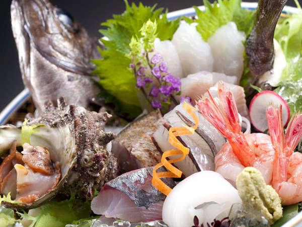 【平日限定】北陸の漁港で水揚げされた『いきいき地魚7種盛り』付き宿泊プラン