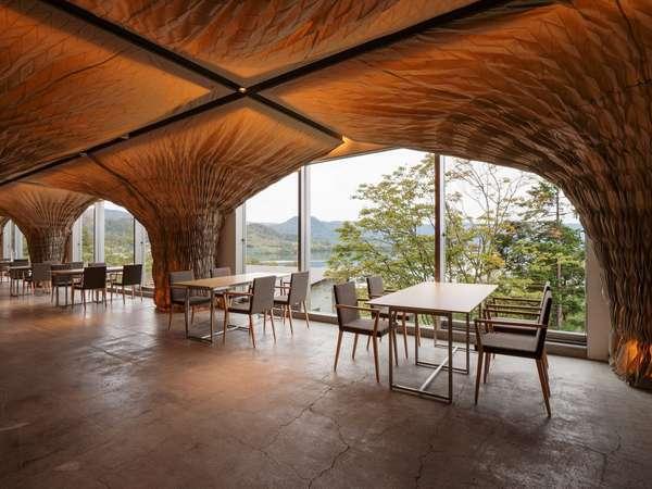 『EZO Cuisine』では洞爺湖を望みながら朝食を