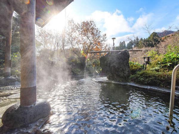 *【露天風呂】四季の景観と川のせせらぎを感じながらの入浴は、格別の一言。