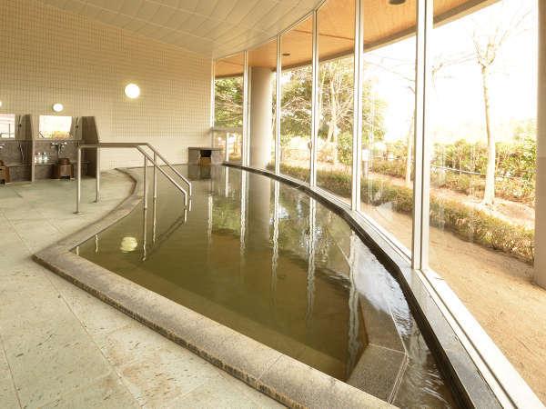 *地元の方に愛されリピーターも多い「川西温泉」。