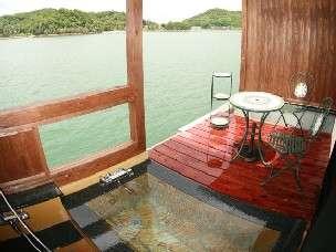 離れの客室専用露天風呂