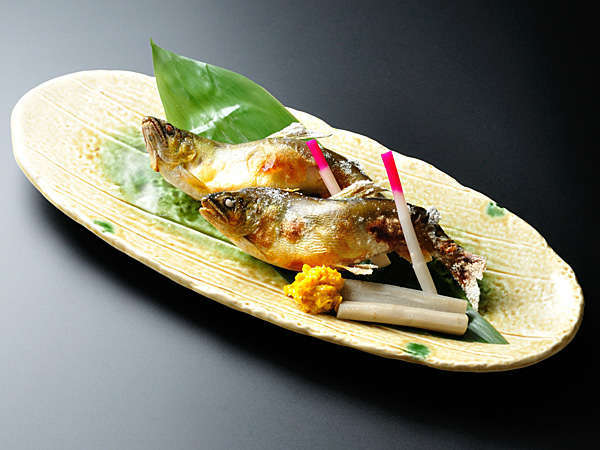 栄養価◎満点≪鮎の甘味噌焼付≫おごっつお料理☆食いしん坊プラン