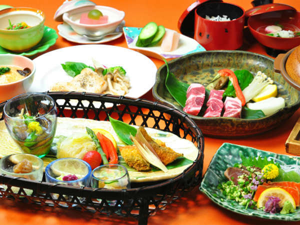【迷ったらコレ】旬の味覚!地元高原野菜◎50種使用☆おごっつお料理